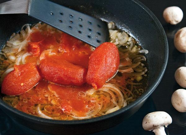 Приготовить солянку из капусты на сковороде пошагово